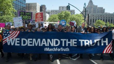 Cientos marchan en EE.UU. para pedir una investigación contra Trump