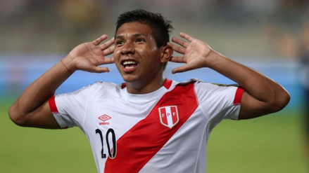 Edison Flores no descartó dejar el Aalborg para jugar en Sudamérica