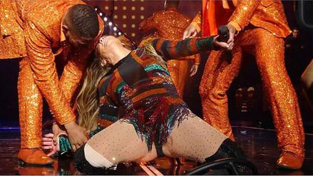 Video | Jennifer Lopez sufre doloroso incidente en concierto