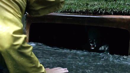 Pennywise asustó a niños en rodaje de