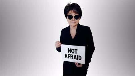 Yoko Ono, viuda de John Lenon, pide a las mujeres no callar maltratos