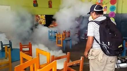 Intensifican fumigación por incremento de casos de dengue y zika
