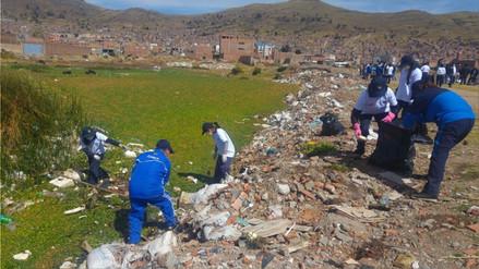 Colectivo juvenil convocó a instituciones para limpieza del lago Titicaca