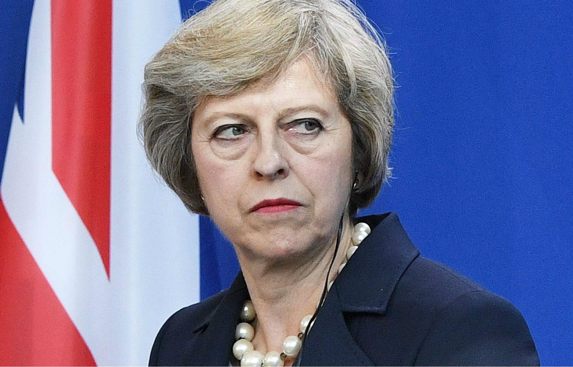 Theresa May intentará formar gobierno pese a haber perdido su mayoría en el Parlamento