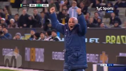 Jorge Sampaoli celebró de manera eufórica el primer gol de Argentina