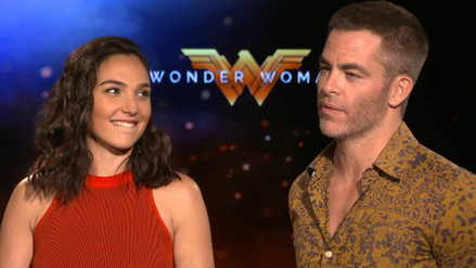 Video | La mirada de Gal Gadot a Chris Pine se hace viral