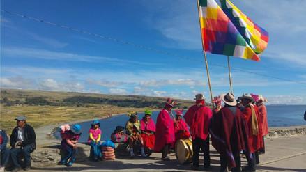 Puneños y bolivianos participan de caminata en la ruta del 'Qhapaq Ñan'