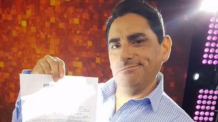 Carlos Álvarez recibe el respaldo de su canal para seguir al aire