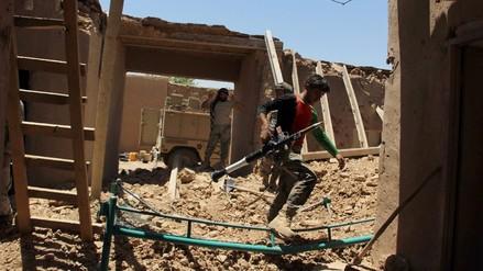 Seis policías de Afganistán murieron en bombardeos por error de Estados Unidos