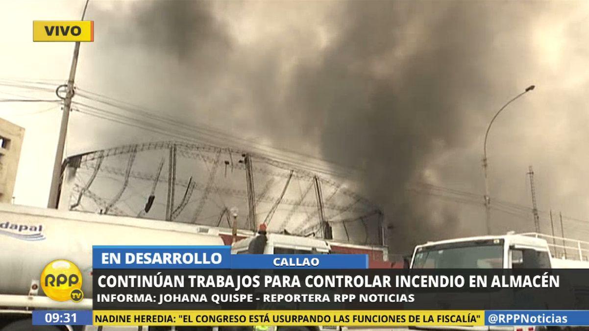 Incendio de gran magnitud se registró en un almacén del Callao