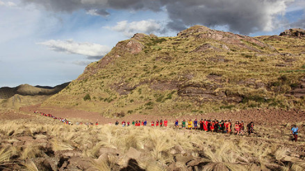 Recorren ruta mítica de los Hermanos Ayar en Paruro