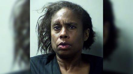 Una mujer indultada por Barack Obama volvió a prisión tras robar detergente