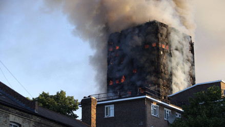 Así quedó el edificio de 24 pisos que se incendió en Londres