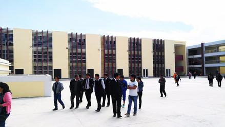 Visitan nueva infraestructura del colegio Santa Isabel de Huancayo