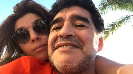 Hija de Maradona le respondió a Dani Alves por arremeter contra su padre