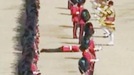 Un guardia se desmayó durante el desfile por el cumpleaños de la Reina Isabel II