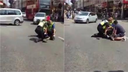 """Un hombre atacó a un policía en Londres gritando """"Allahu Akbar"""""""