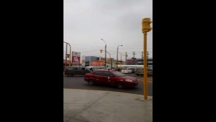 SMP: Vecinos reportan semáforos malogrados en avenida Tomás Valle