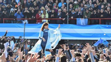 Una multitud acompañó a Cristina Fernández en el lanzamiento de un nuevo frente