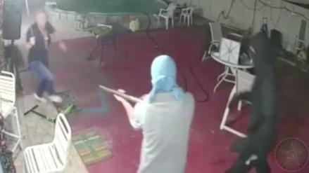 Entraron a una casa a asaltar, pero el dueño los redujo con un machete