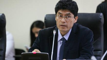 Juez ordena captura de congresista Rogelio Tucto