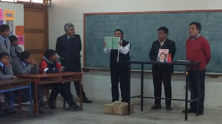 309 colegios recibieron libros de Mario Vargas Llosa