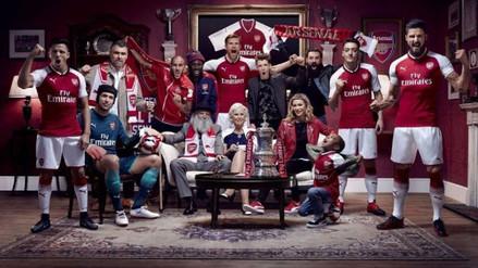 Arsenal presentó su nueva camiseta con Alexis Sánchez como imagen