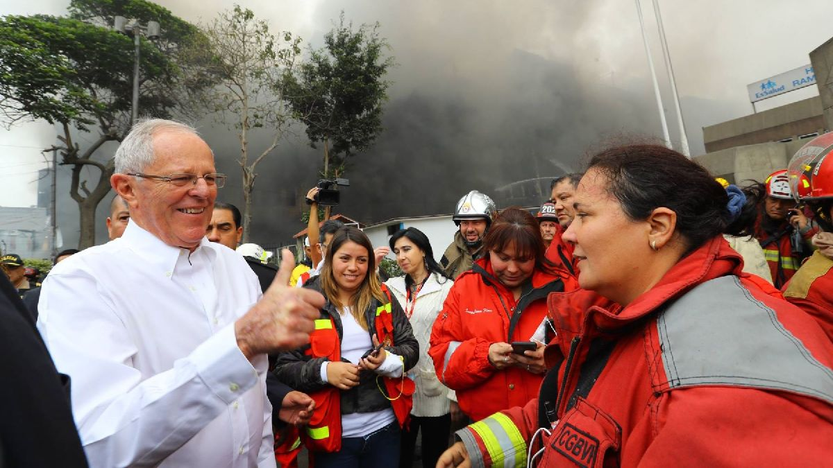 """PPK sobre bomberos: """"Estamos trabajando para darles mejor equipamiento"""""""