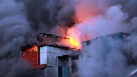 Pareja de comerciantes son los propietarios de almacén incendiado en Las Malvinas