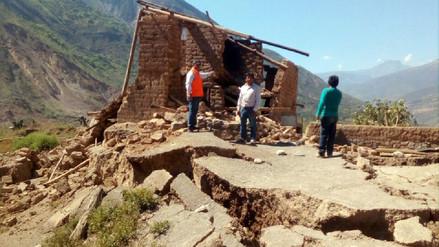 Falla geológica ocasiona colapso de 25 viviendas en Otuzco