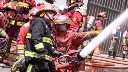 Un incendio afectó departamento en condominio en el Callao