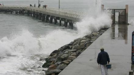 Cierran puertos y caletas en Pisco por oleajes anómalos