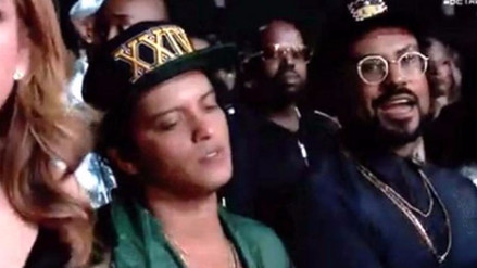 Video | Bruno Mars se quedó dormido en los BET Awards 2017
