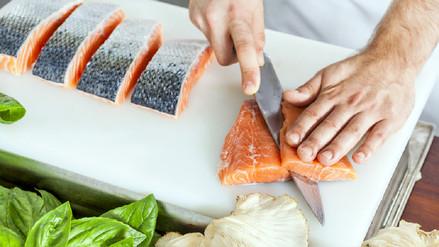 Los peligros de comer carne de pescado cruda