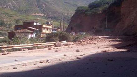 Deslizamiento de rocas preocupa a población de Izcuchaca