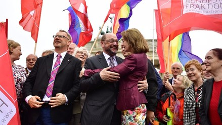 Alemania aprobó el matrimonio homosexual pese a la oposición de Angela Merkel