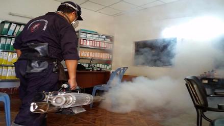 Retoman fumigación contra el dengue tras conflicto en Tumán