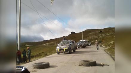 Ronderos bloquean carretera Bambamarca - Chota