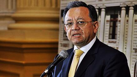 El Congreso decidió que Edgar Alarcón no va más como contralor