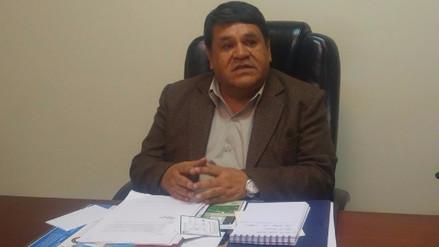 Colegio de Contadores evalúa anular colegiatura de excontralor Edgar Alarcón