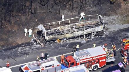 Al menos 18 muertos al incendiarse un bus de jubilados en Alemania
