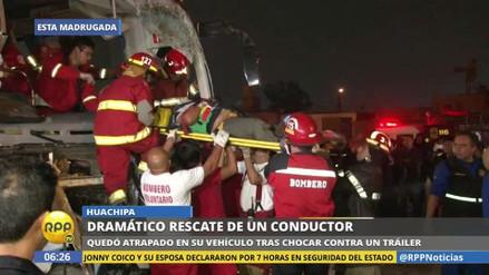 Un herido grave dejó el choque de un bus contra un camión en Huachipa