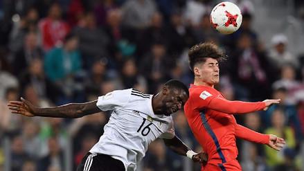 Ángelo Sagal discutió con un hincha por el gol que falló en la Copa Confederaciones