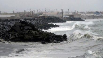 Chimbote: fuertes olajes afectaron a familias de zona costera