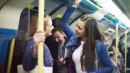 Auto particular o transporte público: ¿Cuál contamina menos?