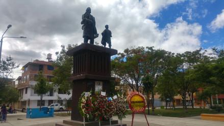Docentes cajamarquinos son homenajeados en su día