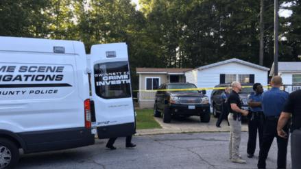 Una mujer fue acusada de apuñalar a cuatro hijos y su esposo en Estados Unidos