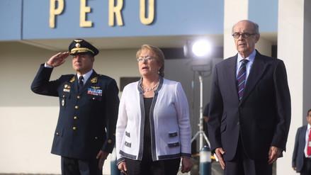 Michelle Bachelet cantó el Himno Nacional del Perú al llegar a Lima