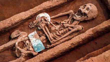 Arqueólogos desentierran tumbas de 'gigantes' de 5.000 años en China