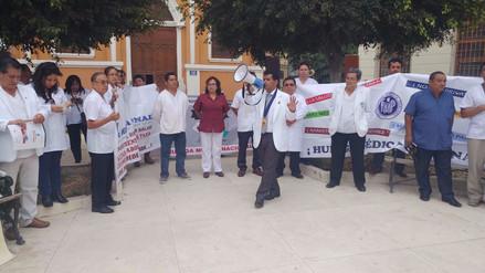 Profesionales de Salud se sumaron a huelga de médicos